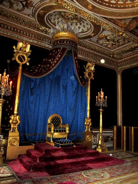 Medieval Castle Throne Room | Chateau de Fontainebleau - Castles, Palaces and Fortresses