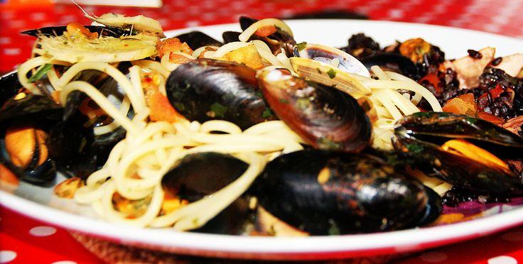 Kamut spaghetti stew of mussels and clams - spaghetti di Kamut in guazzetto di cozze e vongole