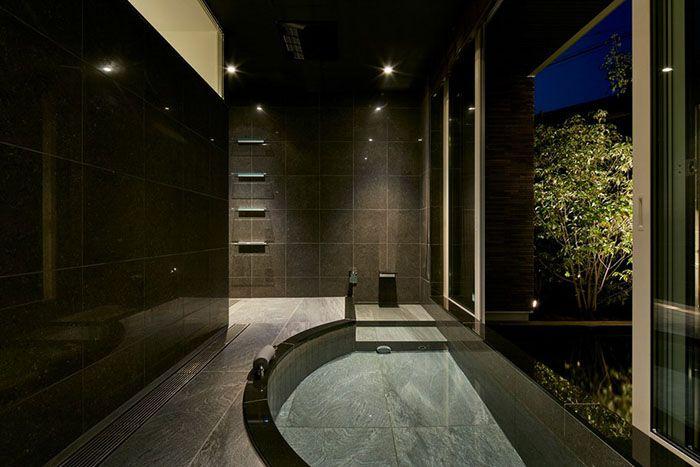 Гранитная ванна для медитаций в Японии