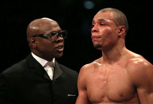 [Vídeo] Padre interviene en pelea de boxeo para que su hijo no...