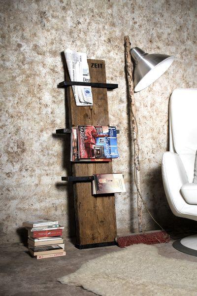 Unser Zeitungsständer ist ein wahrer Raumwandler.   Auch wenn´s richtig eng wird, findet die schmale Diele ein Stückchen Wand zum Anlehnen.  Da...