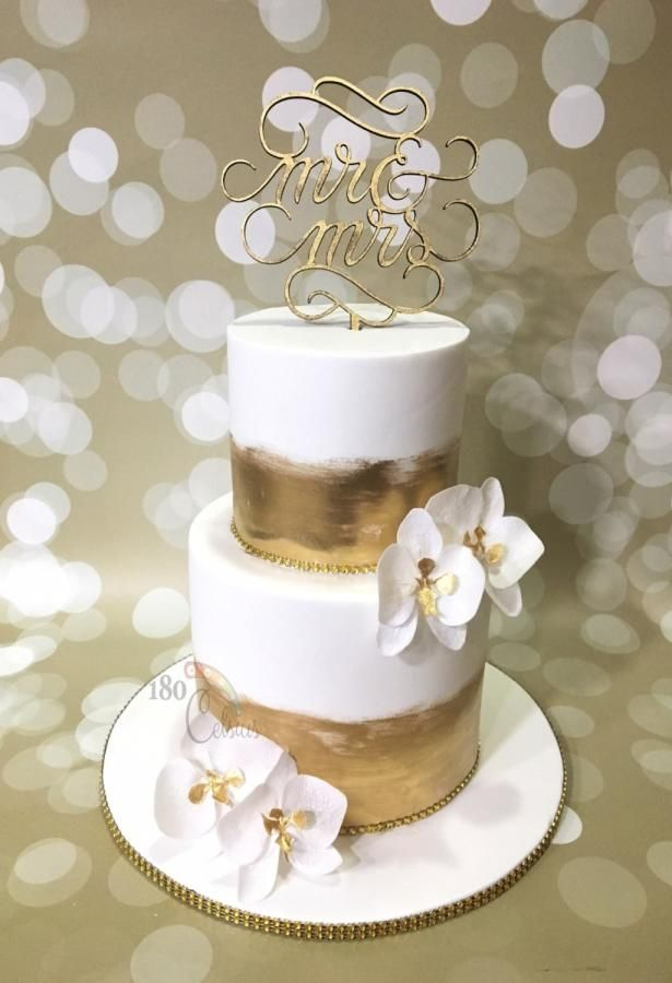 The Golden Orchid by Joonie Tan - http://cakesdecor.com/cakes/267131-the-golden-orchid