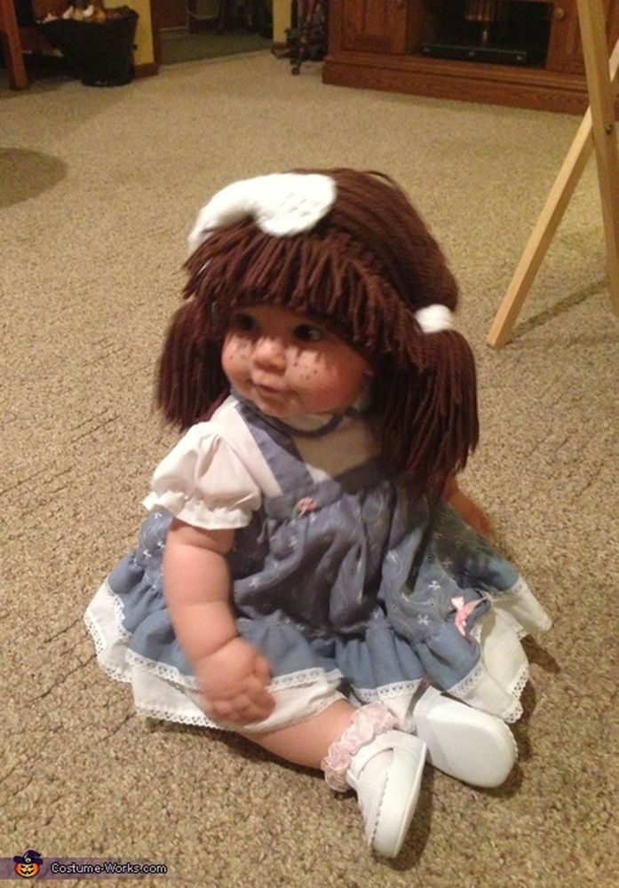 If I ever have a kid, I'm totally going to have a Cabbage Patch Doll for Halloween!!!! Too cute!