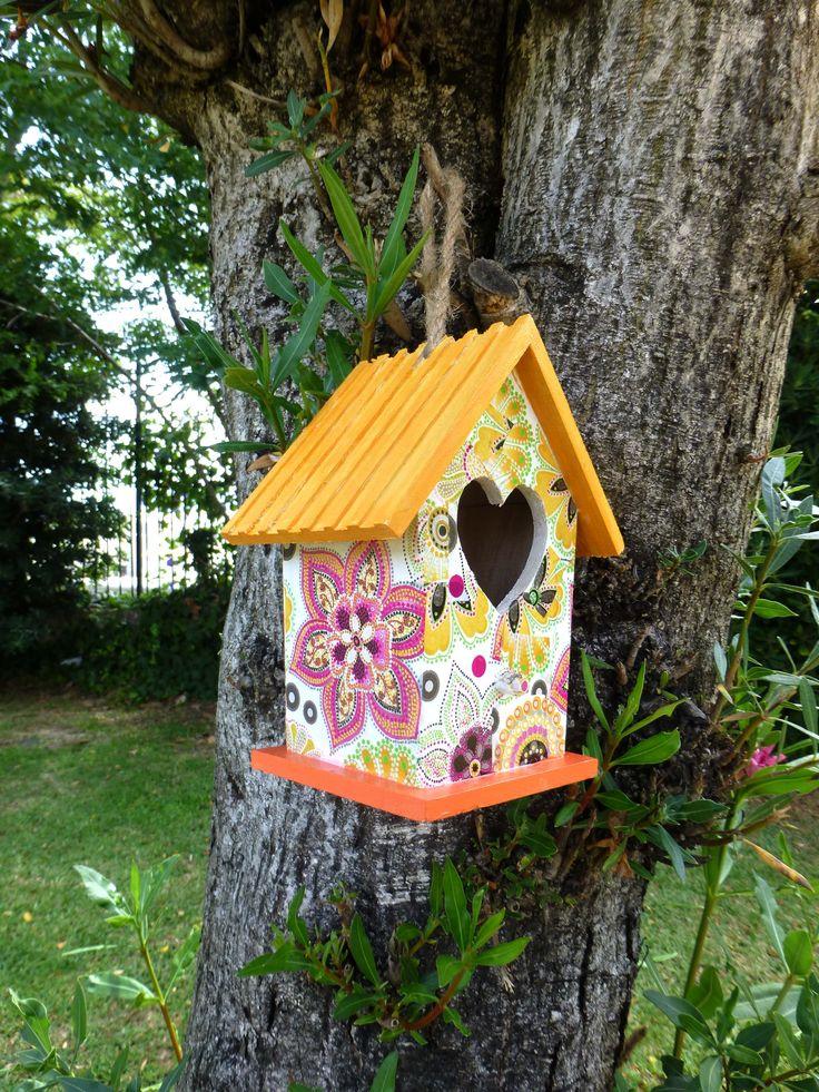 165 best mosaic birdbaths birdhouses images on pinterest - Casita para pajaros ...