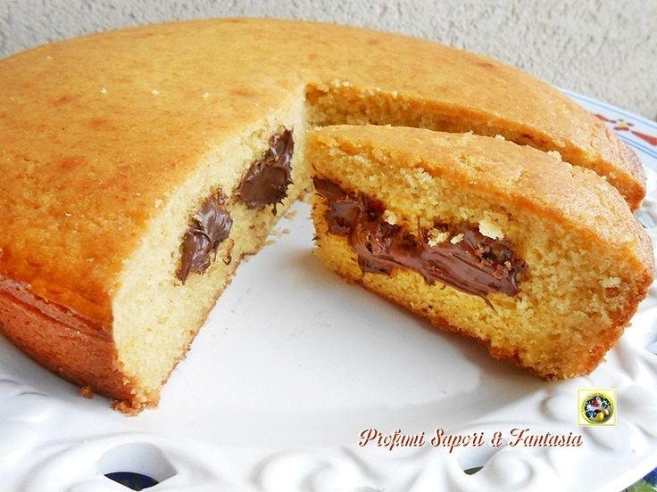 Torta di ricotta e Nutella, un'ottimo dolce adatto a qualsiasi circostanza. Piace tanto ai bambini ma non solo loro, ideale anche come torta di compleanno.