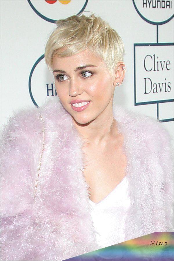 Mar 2 2018 Miley Cyrus Verabschiedete Sich Im Januar Von Ihrem Undercut Und Tra Gt N In 2020 Miley Cyrus Short Hair Short Hair Styles Cute Hairstyles For Short Hair
