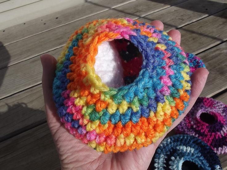 Crochet Rodent House. kr 30, via Etsy.