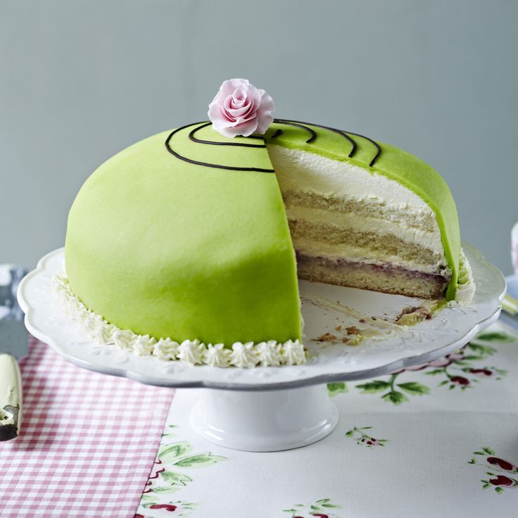 We give you... the Prinsesstarta - a classic Swedish cake made with sponge, cream, creme patisserie, jam and marzipan.