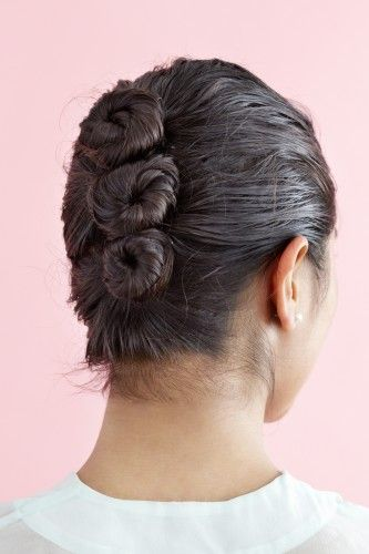 The Bun Ladder -- a pretty and unique way to style wet hair. Bonus -- let hair down when it dries, and you'll have beautiful beachy waves!