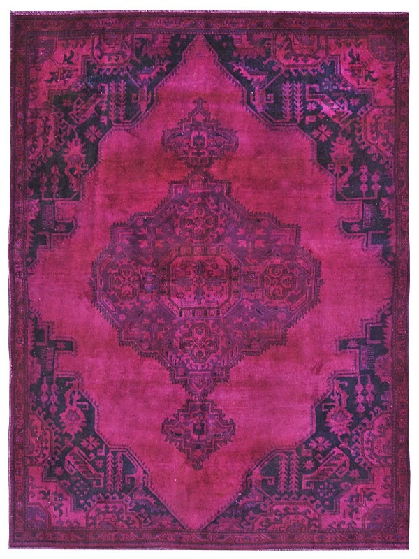 Persian Vintage carpet produced by vintagecarpets.com