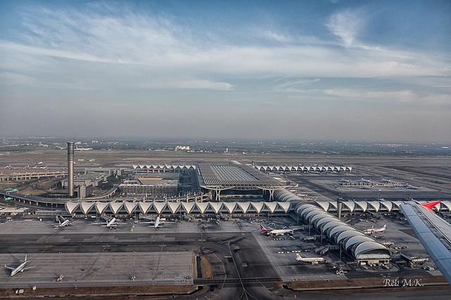 Suvarnabhumi Airport, Bangkok - Helmut Jahn for Murphy / Jahn Architects (2006)