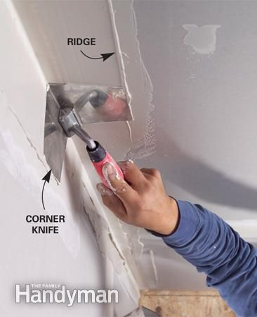 Coat inside corners faster and smoother with a corner knife Smooth both sides of inside corners at once with an inside corner knife. Scrape off the ridges with a taping knife.