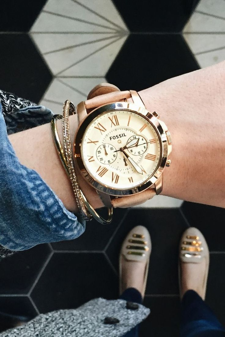 Montre femme - vintage, bracelet rose saumon pale et or - Fossil watch - this is so classy and stylish!
