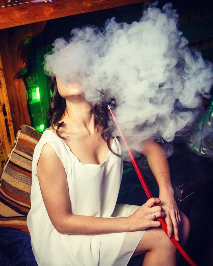 Schönen start in die Woche! #shisharatgeber #shisha #hookah #shishanews #shishatricks #koeln #wasserpfeife #vape #girl #iloveshisha #muenchen #berlin #hookahlove #narguile #nargilem #hookahtime #kalyan #smoking #hookahtricks #love #photooftheday #smoke #picoftheday #shishatime #shishas #shishan #goodLife #シーシャ #кальян #hookahlife