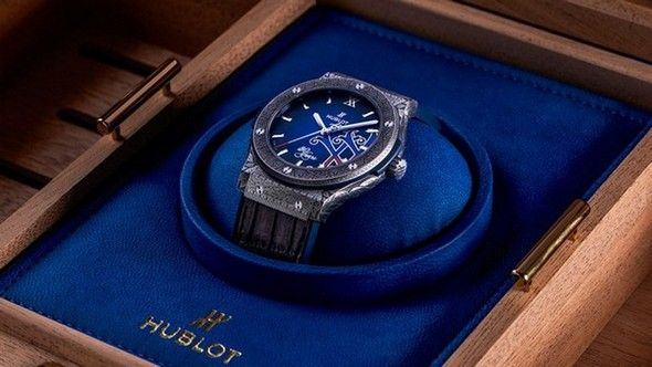 FUENTE CIGARS CELEBRATES 20 YEARS WITH HUBLOT'S SPECIAL EDITION | #hublot #fuentecigars #interiordesignideas #interiordesign #interiors #baselshows #limitededition #mostexpensive | http://www.baselshows.com/most-expensive-2/fuente-cigars-celebrates-20-years-with-hublots-special-edition
