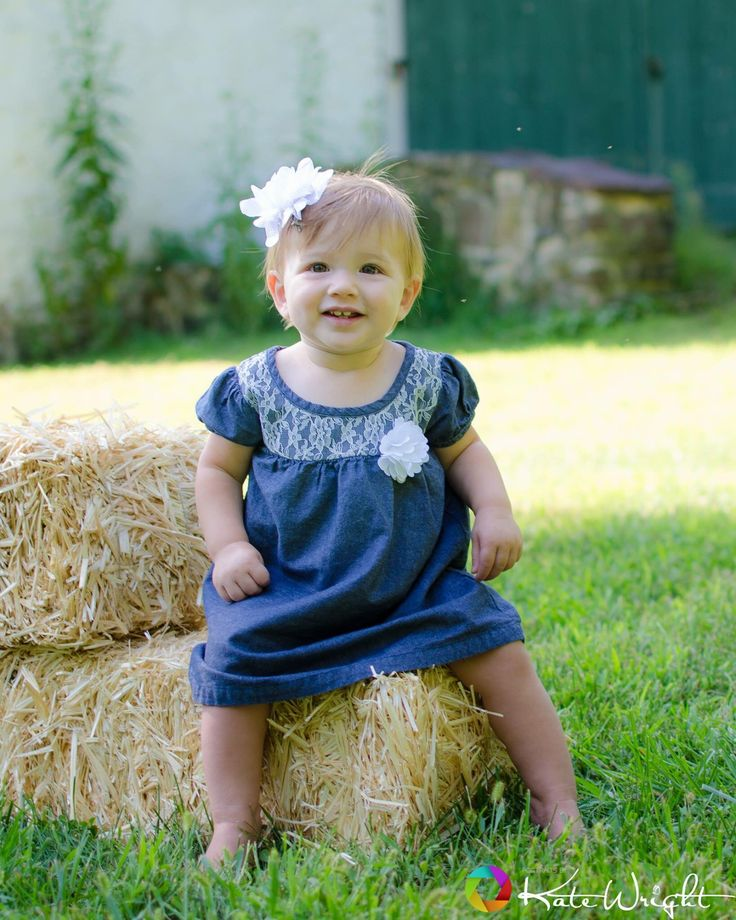 Little farm girl