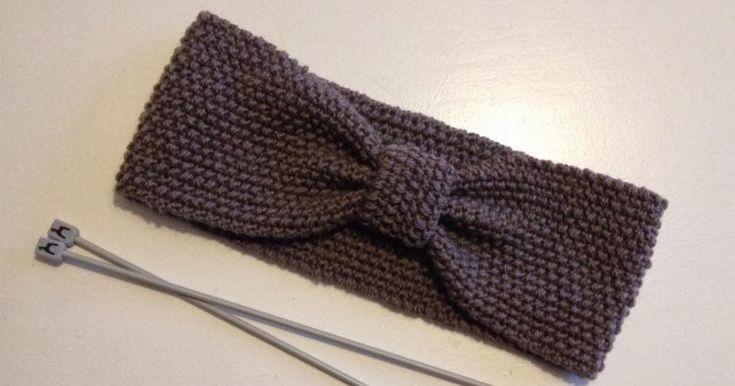 DET STORE STYKKE: Slå 21 masker op på pind 3½ med dobbelt garn. (alm. tykkelse) Strik perlestrik til du har strikket 50-52 cm eller i...