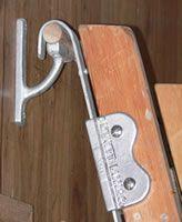 C Kennett Library/Track Ladder Hook & Cast Aluminium Vertical Bracket