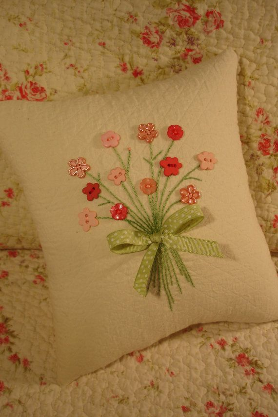 Reserved for Sarah Pink Floral Bouquet Pillow por AThymetoSew