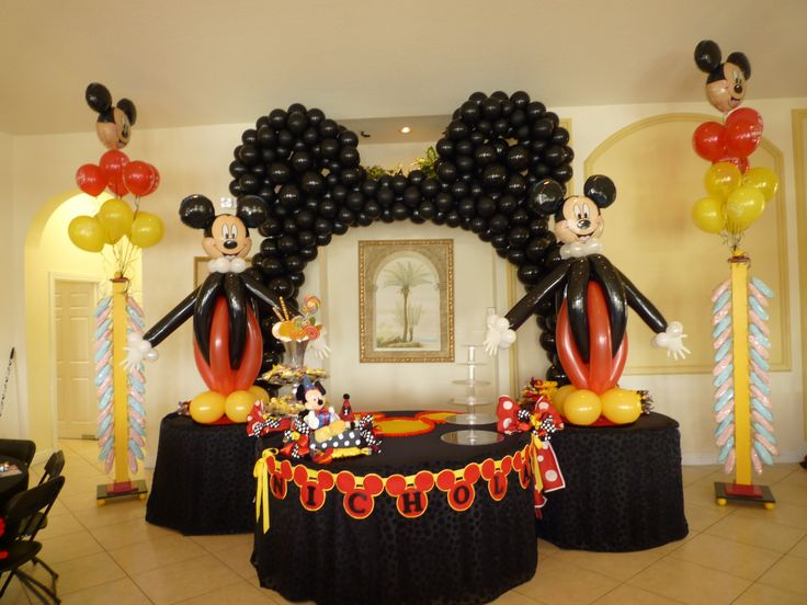 18 best images about mickey and minnie theme party decoration on pinterest disney sweet table. Black Bedroom Furniture Sets. Home Design Ideas