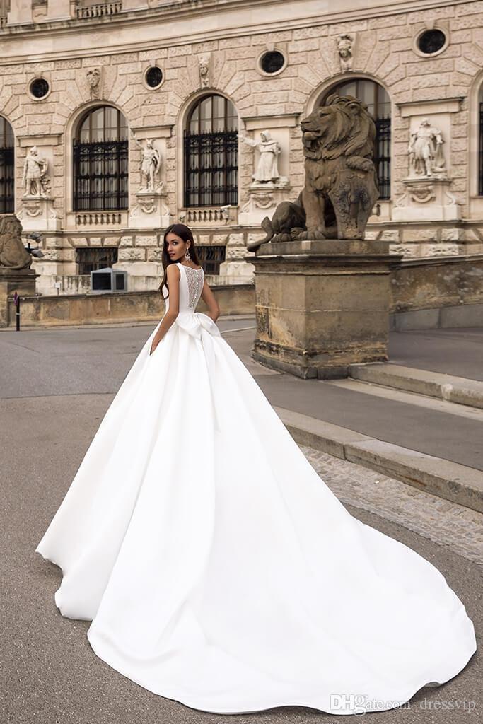 2020 Elegant Satin Wedding Dresses Square Neck Lace Back Big Bow