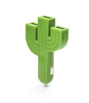 Chargeur de Voiture Cactus avec 3 ports USB. Design: Kikkerland.