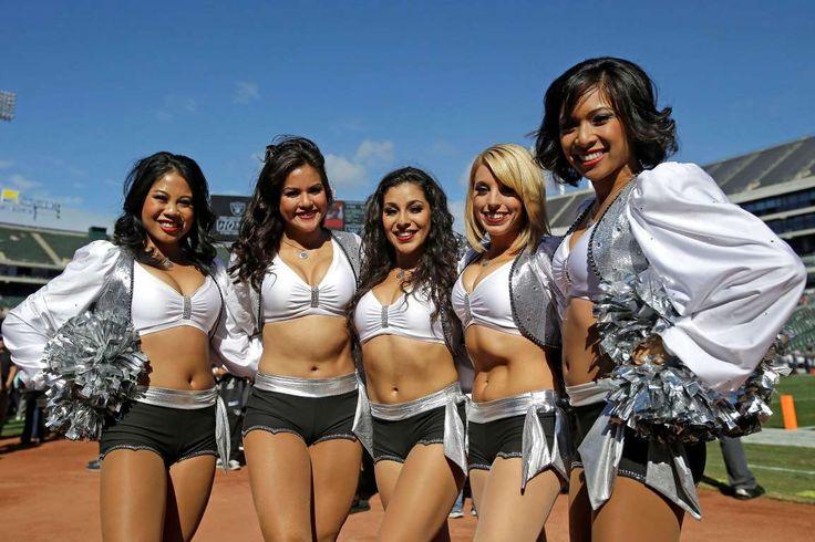 Oakland Raiders cheerleaders pose - Marcio Jose Sanchez/AP