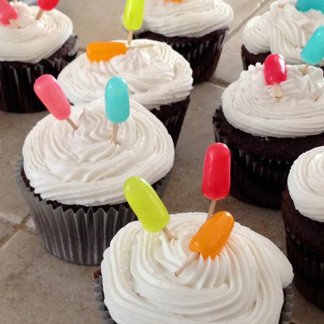 25+ Best Ideas About Swim Party Cupcakes On Pinterest