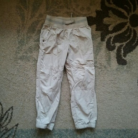 Size 4T boys khaki jogger pants Very gently used khaki jogger pants, keeps them warm in the winter. On good condition, no stains, rips or tears. Cherokee Other