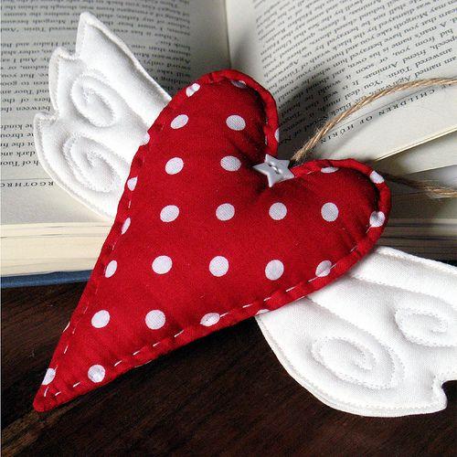 Winged Heart...... pudge it up & make it a pincushion.......