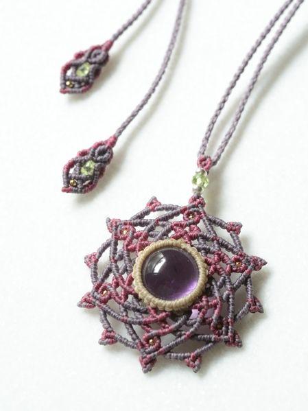 アメジスト&ペリドット 曼荼羅 六芒星 天然石マクラメ編みペンダント
