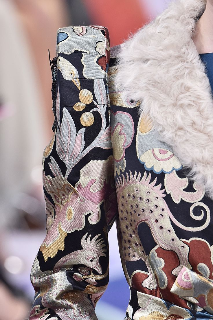 Schiaparelli, Paris.  #fur #fashion #hautecouture #AW16