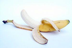 Gooi de bananenschil niet weg, maar gebruik hem! - Plazilla.com