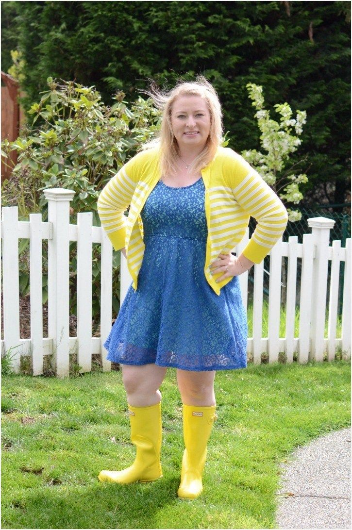 c97803c4dd7 Dressy Skirt and Boot Outfits 98 How to Wear Yellow Hunter Rain Boots  Simply Darr Ling