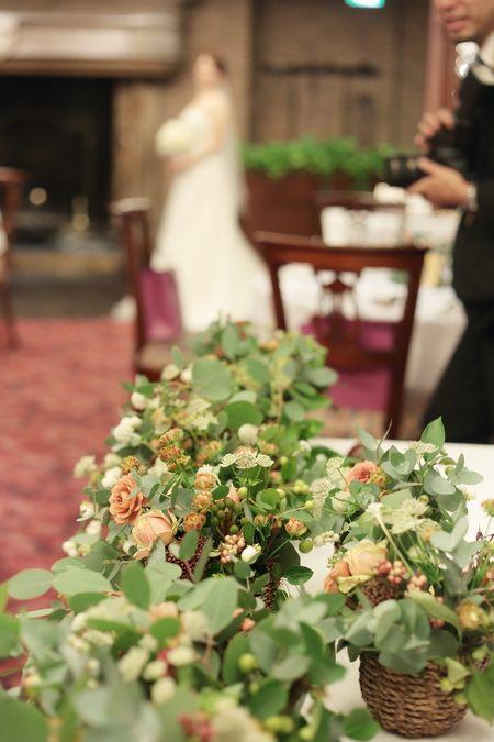 代官山にある、パッションというレストランの装花です。 いつもは黒子なので花嫁様が来る前にどろんと消えるのですけれども この日は最後に少しすれ違...