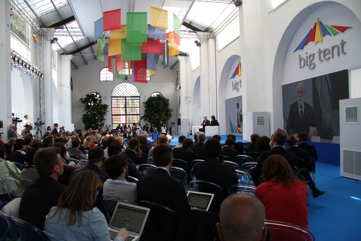 Vice President and Chief Internet Evangelist of #Google Vinton G. Cerf at ‎#BigTentRoma. Concept and secretariat: #TriumphGroupInt.