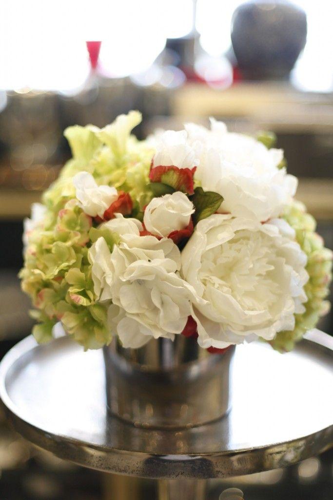 Petula | Flowers and Gifts | Flower arrangements