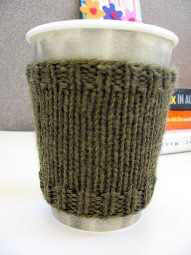 worsted weight,  free pattern for knit coffee cozy, needle size 6