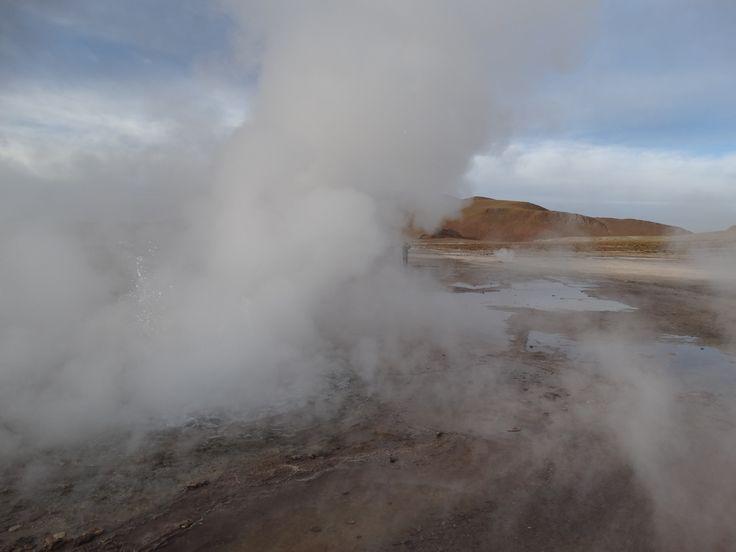 El Tatio  - Teilweise sieht man vor lauter Dampfwolken kaum noch die Hand vor Augen. Ein ausgepräger Schwefelgeruch überall.