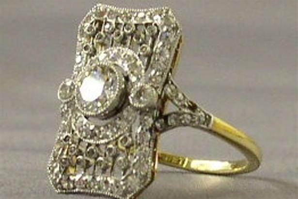 Un anillo de diamantes que es parte de la exhibición de las joyas del Titanic. Foto: Reuters