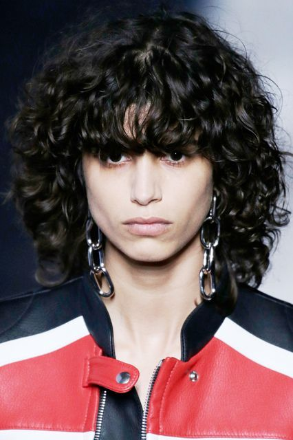 """Curly is cool #refinery29  http://www.refinery29.com/2016-hairstyle-trends#slide-7  Statement-Making FringeNot one, but two of our pros cited bold, blunt bangs as one of the major trends for this year. And both talked specifically about the curly fringe we saw on model Mica Arganaraz during Fashion Week. """"It's an easy way to get a new ..."""