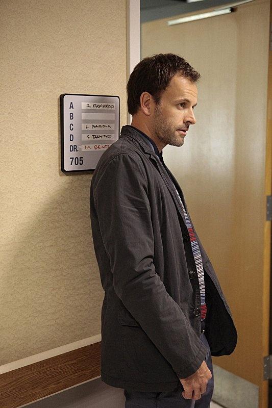 Jonny Lee Miller in Elementary