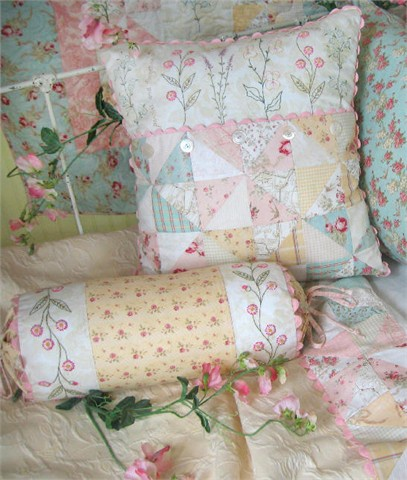 The Drawn Thread for Crabapple Hill: Pillow Patterns, French Cottage Garden, Cottage Gardens, Cushions, Cottages, Quilts Crazy Embroidery, Quilted Pillows, Sewing Quilts Pillows
