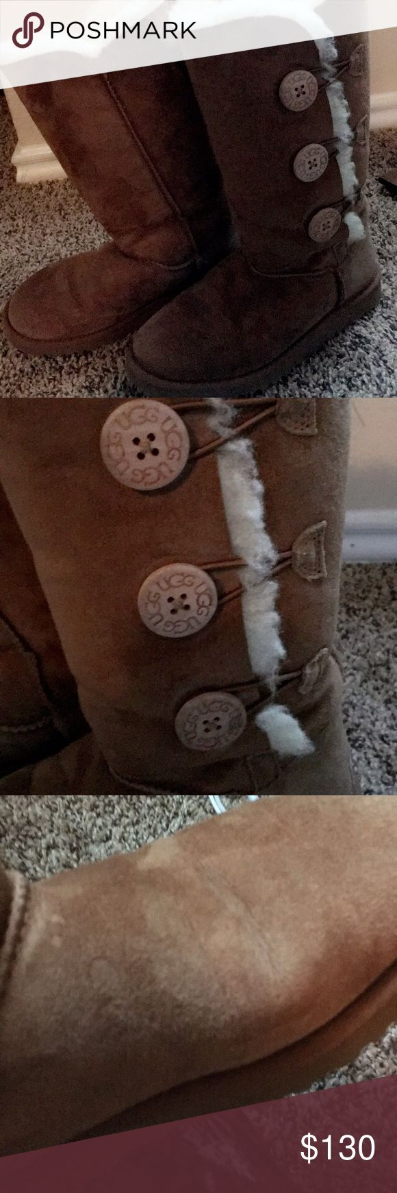 ❄️☃️UGG Bailey Button Triplet Boot, Tan, Size 5❄️ Triple button tan/beige Bailey button boots. Pre-worn condition, normal wear and tear...very comfortable & warm, look carefully at pictures! Size 5. Less than a year old UGG Shoes Winter & Rain Boots