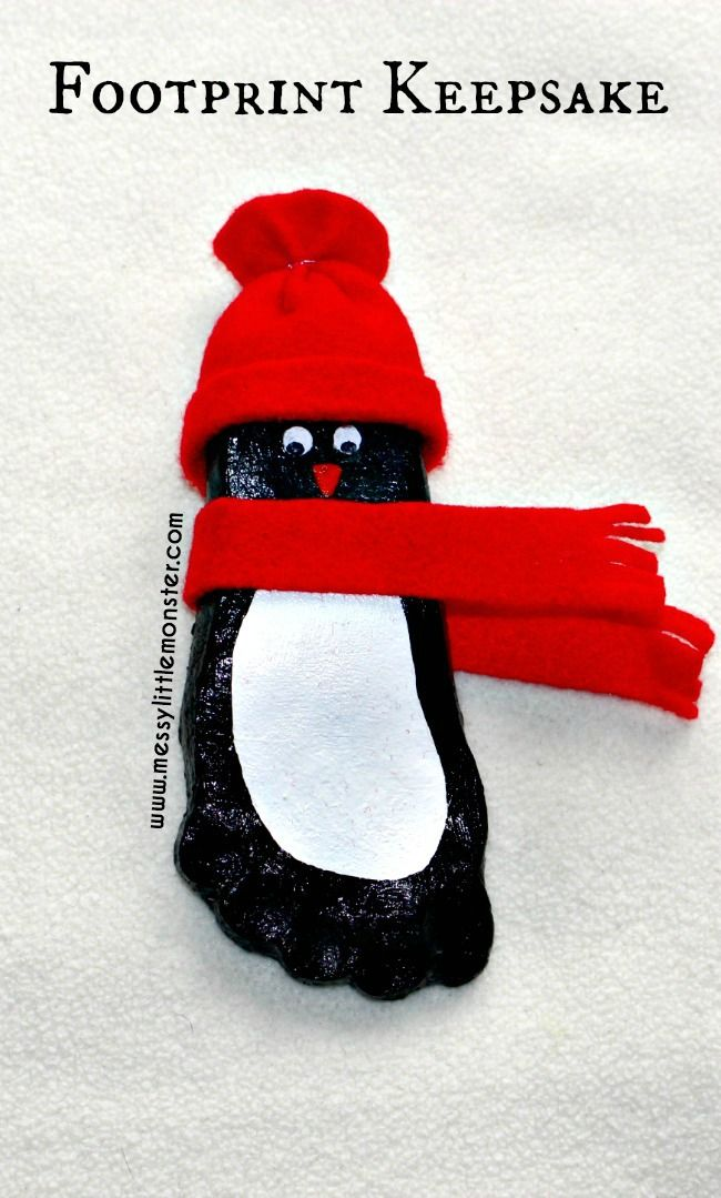 Salt dough footprint penguin. A perfect winter craft for babies, toddlers and preschoolers. These keepsakes would make great Christmas gifts.