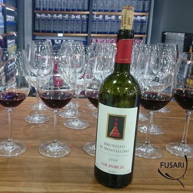 @elproximojuego dirigió la inducción de los vinos Col DOrcia al personal de #CelicorBoutique, en la castellana. Un producto exclusivo de Distribuidora de Alimentos Fusari #ViernesdeVino #ColDOrcia #Italia #Wine #WineLover #Vino #Salud #Venezuela