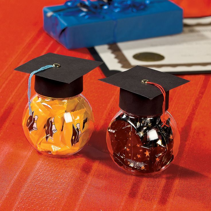 Graduation Cap Favors Make Every Table At Your Party Look A Little Smarter When You Set Out These For Guests