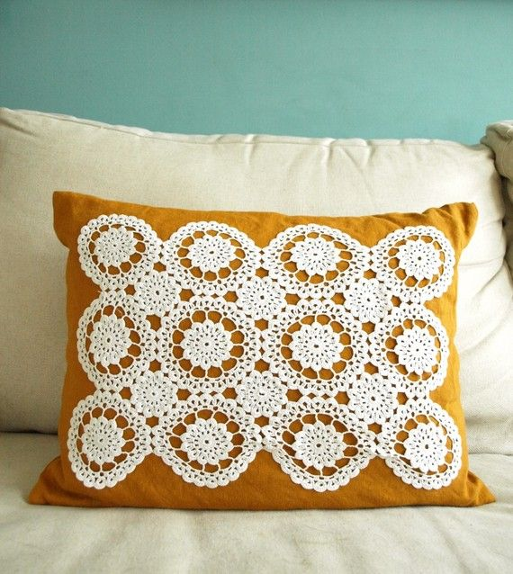 pillow: Diy Ideas, Cushions Diy Handmade, Lace Pillows, Cute Pillows, Lace Doilies, Doilies Pillows, Diy Gifts, Crochet Pillows, Crochet Doilies