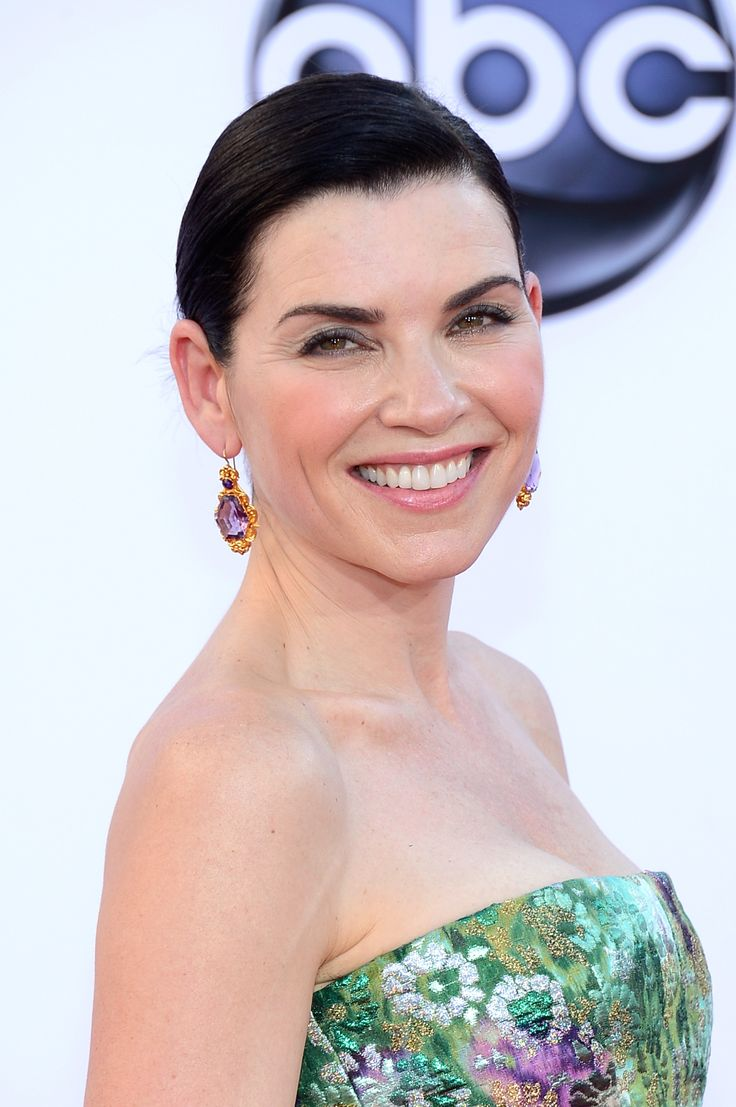 Giambattista Valli Julianna Margulies Goes Floral For the Emmys