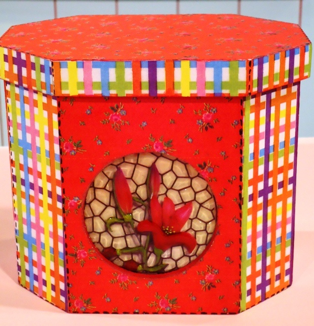 Cajas decoradas con papel   Emilse T  http://www.manosalaobra.tv/: Cajas Declaradas, Decorative Boxes